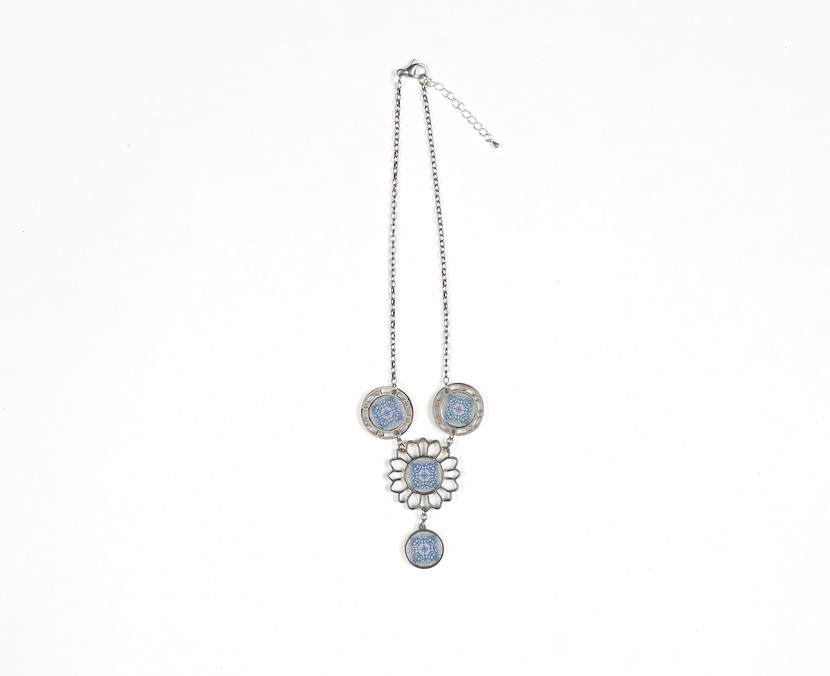 pink-blue-silver-necklace