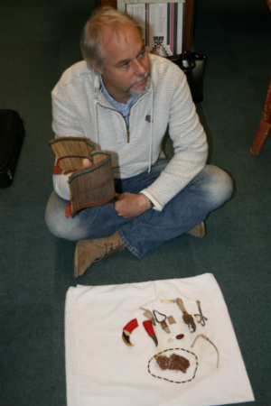 Owen Burnham demonstrating how the Basaon oracle is used.
