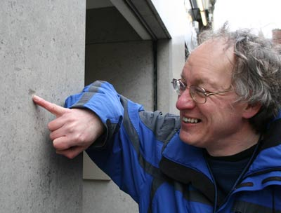 Tony Morgan points out a fossil in the wall of Boodles on North Jon Street