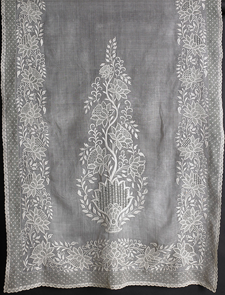 Muslin stole, northern India, around 1815