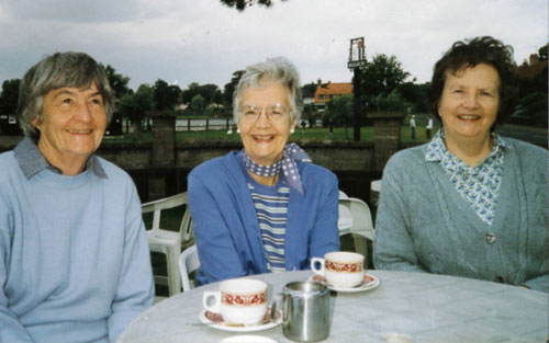 photo of 3 women
