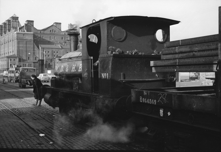 MDHB saddle tank locomotive card