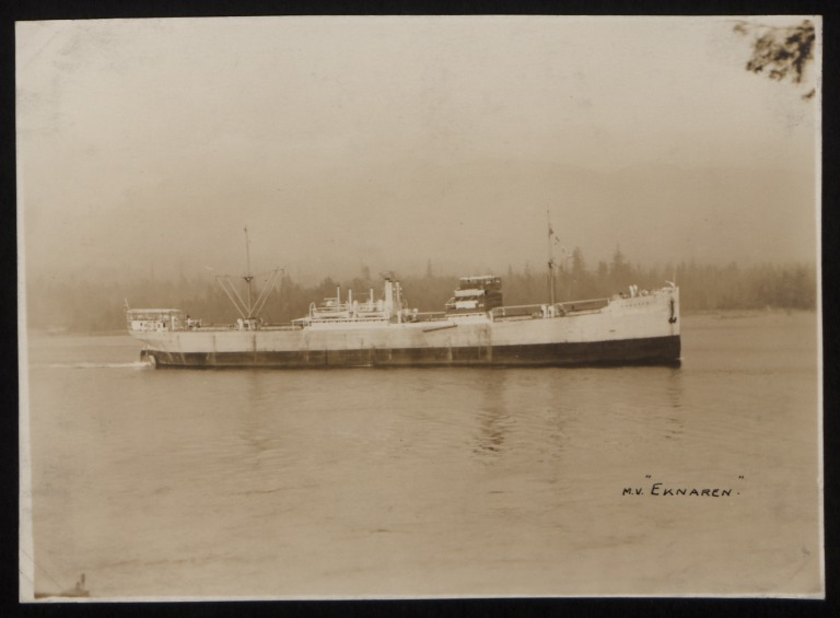 Photograph of Eknaren, Rederi A/B Transatlantic G Carlsson card