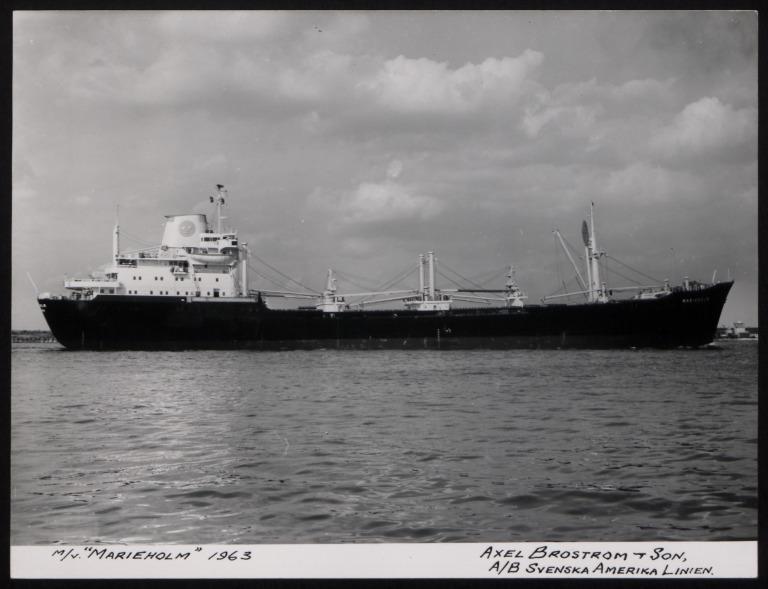 Photograph of Marieholm, Svenska Amerika Linien card