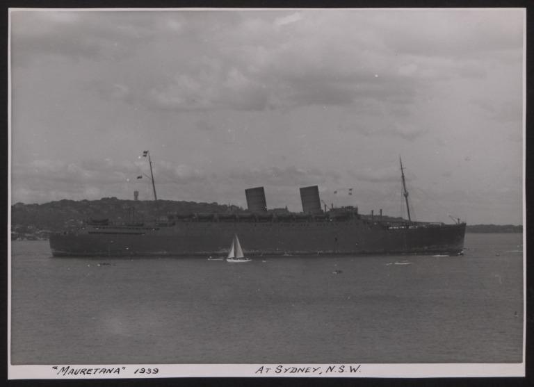 Photograph of Mauretania, Cunard White Star Line card