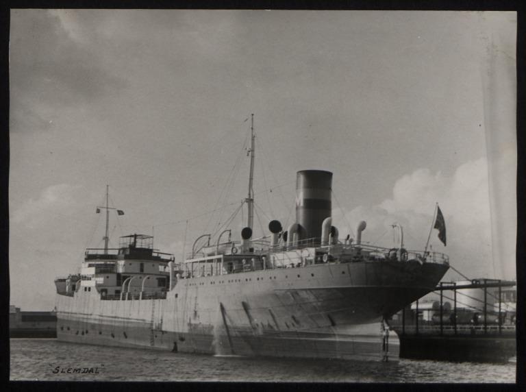 Photograph of Slemdal, Moltzau and Christensen card