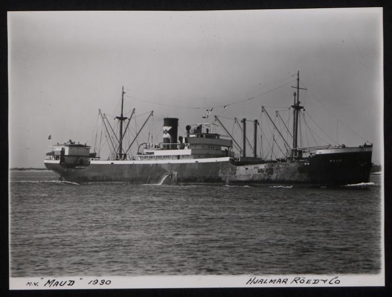Photograph of Maud (r/n Gudvang), Hjalmar Roed and Co card