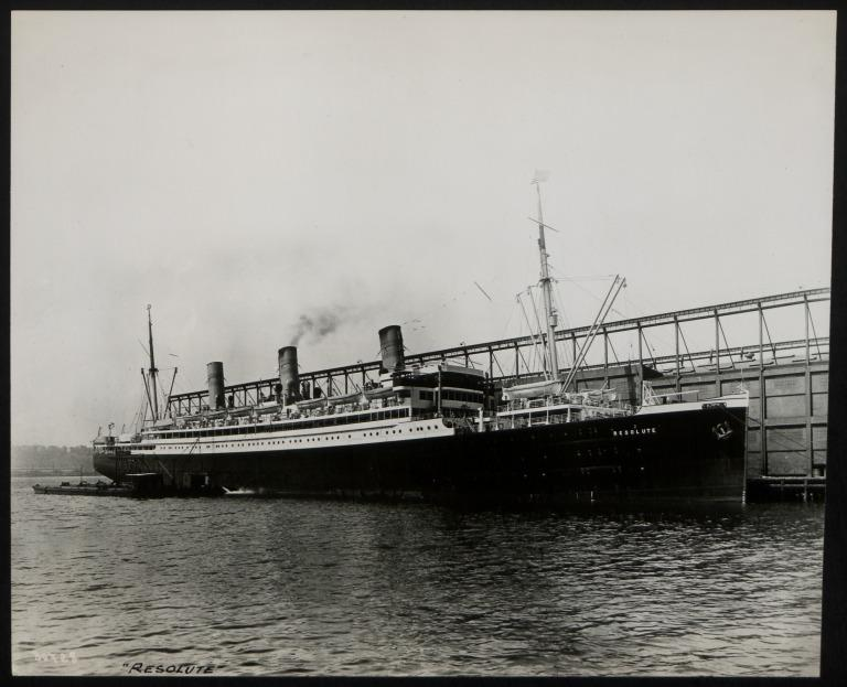 Photograph of Resolute (ex Brabantia, ex William O'swald, r/n Lomardia), Hamburg Amerika Line card