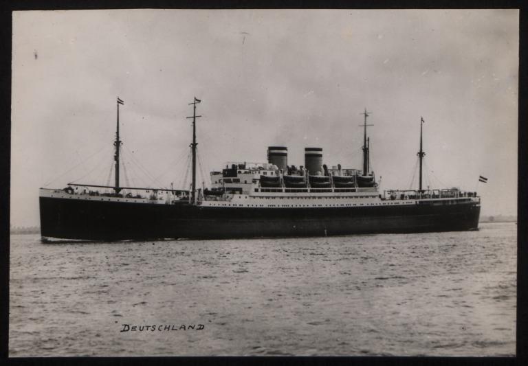 Photograph of Deutschland, Hamburg Amerika Line card