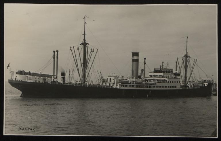 Photograph of Karnak, Hamburg Amerika Line card