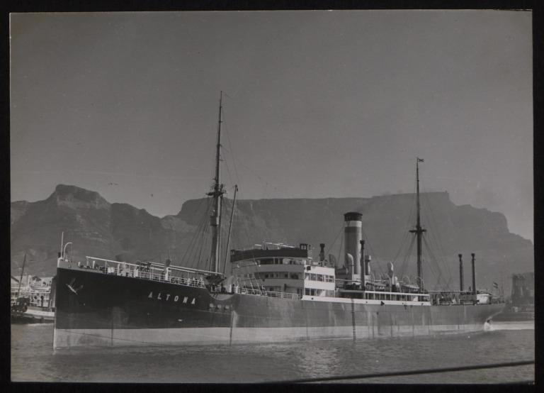 Photograph of Altona, Hamburg Amerika Line card
