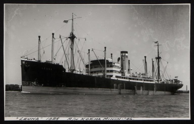 Photograph of Leuna (r/n Kosma Minin), Hamburg Amerika Line card