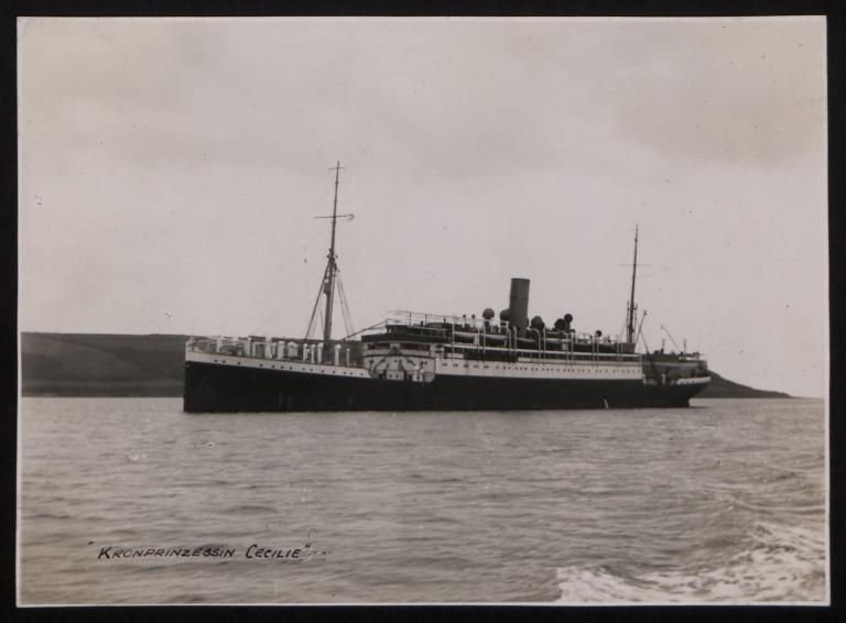 Photograph of Kronprinzessin Cecilie (r/n Princess), Hamburg Amerika Line card
