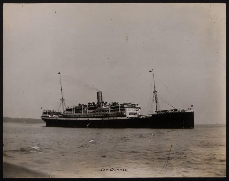 Photograph of Cap Blanco, Hamburg Sudamerika Line card