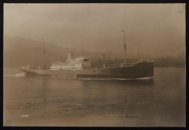 Photograph of Seattle, Hamburg Amerika Line card
