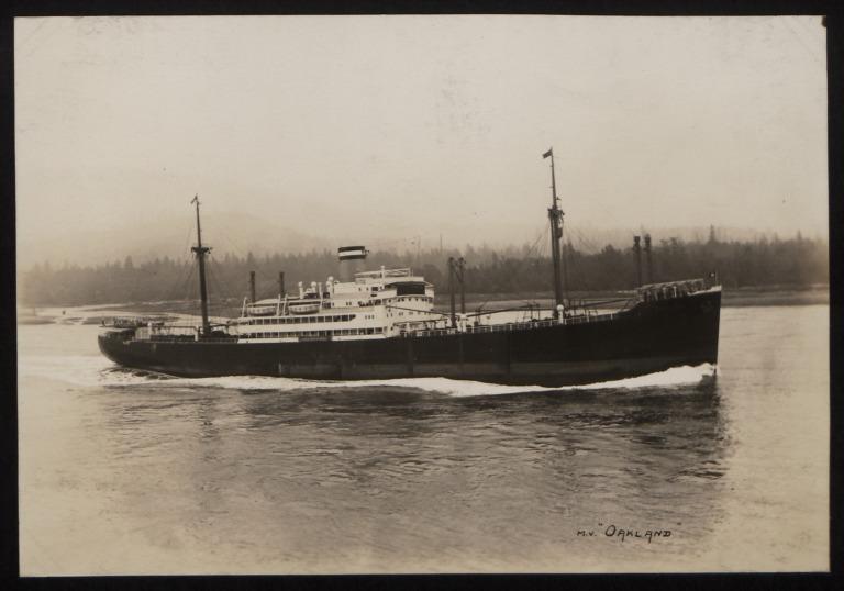 Photograph of Oakland, Hamburg Amerika Line card