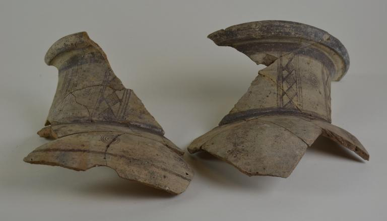 Fragments from a large neck amphora card