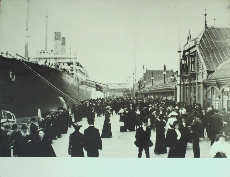 Photograph of Celtic, White Star Line card