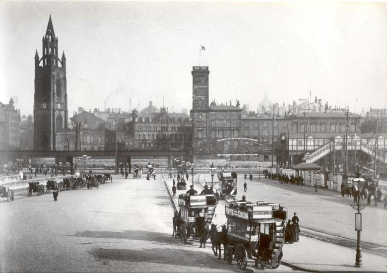 Photograph of St. Nicholas's Church, Overhead Railway, Horse Cabs and Buses Seen From Floating Roadway 1898 card