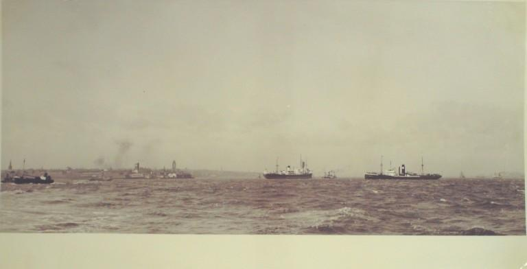 Photograph of Vessels on Mersey card
