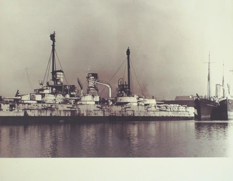 Photograph of Unidentified warship, Admiralty card