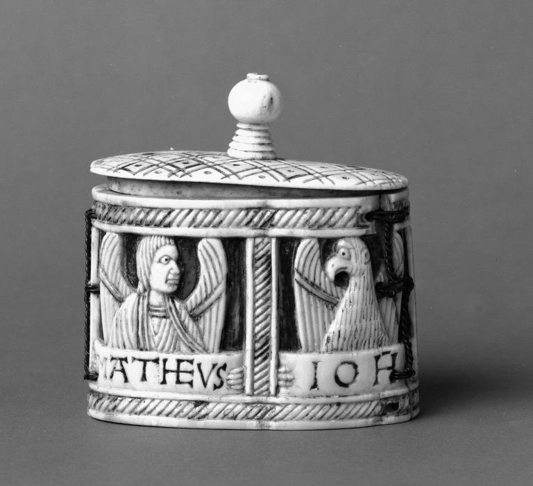 Box carved with symbols of Four Evangelists card