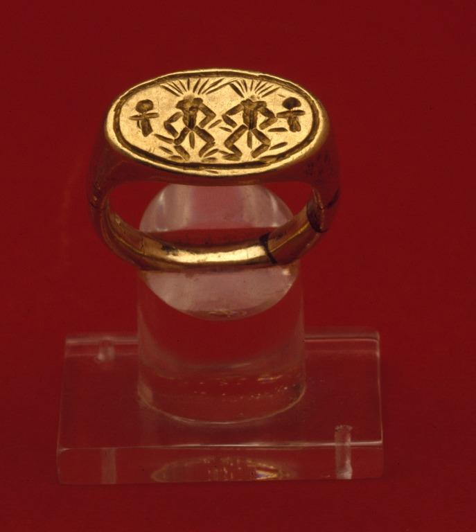 Finger Ring With Bes Images card