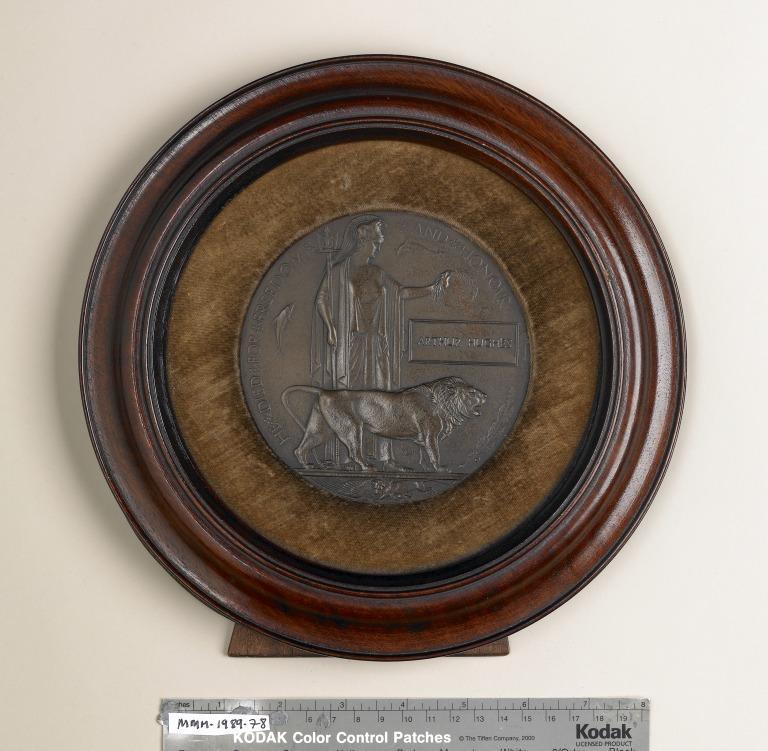 Next of kin memorial plaque - Arthur Hughes card