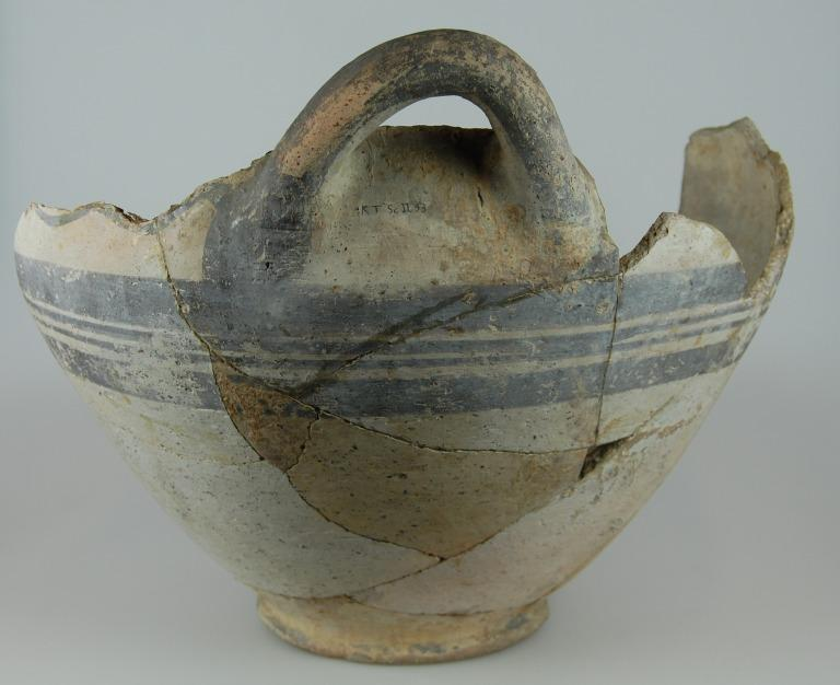 Neck body and sherds from an amphora card
