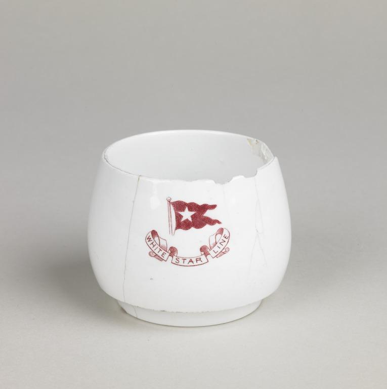 Cup with White Star logo - from Titanic card