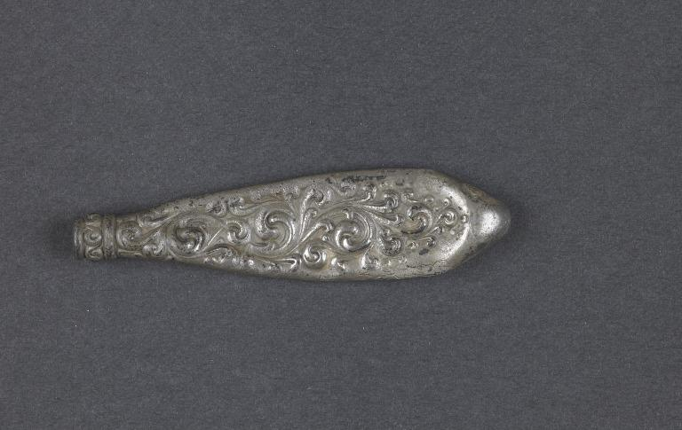 Silver boot hook - from Titanic card