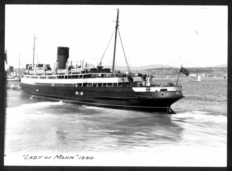 Photograph of Lady of Mann I, Isle of Man Steam Packet Company card