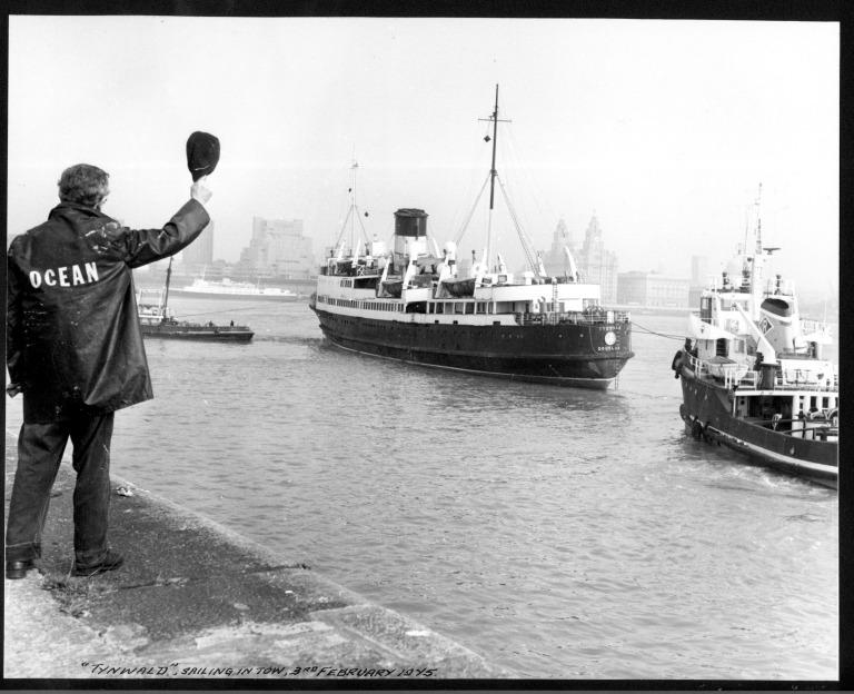 Photograph of Tynwald V, Isle of Man Steam Packet Company card